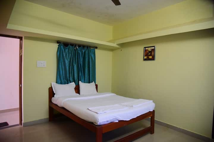 Comfortable 1 Bed In Siolim