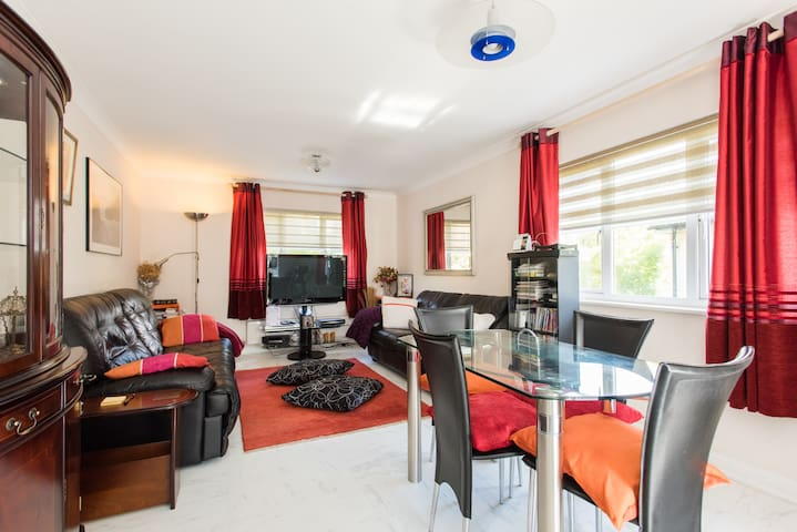 2 bed flat with creature comfort - Chafford Hundred