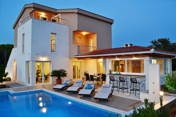 Villa Nadalina - new holiday house with pool