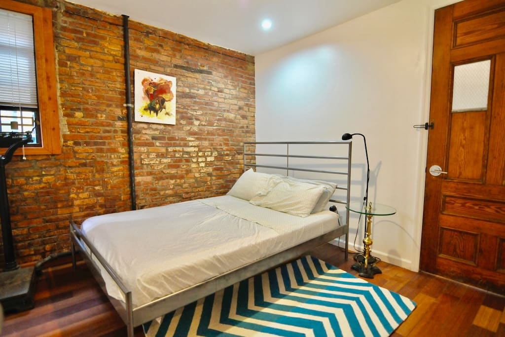 2nd. Bedroom with queen size bed