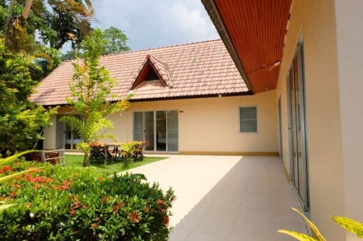 Sanook Sanan Resort (Family House)