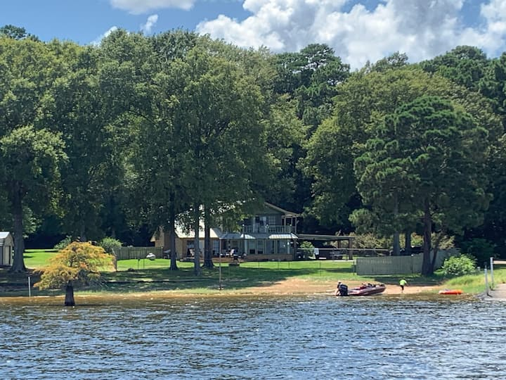 Waterfront Summer Escape on Toledo Bend