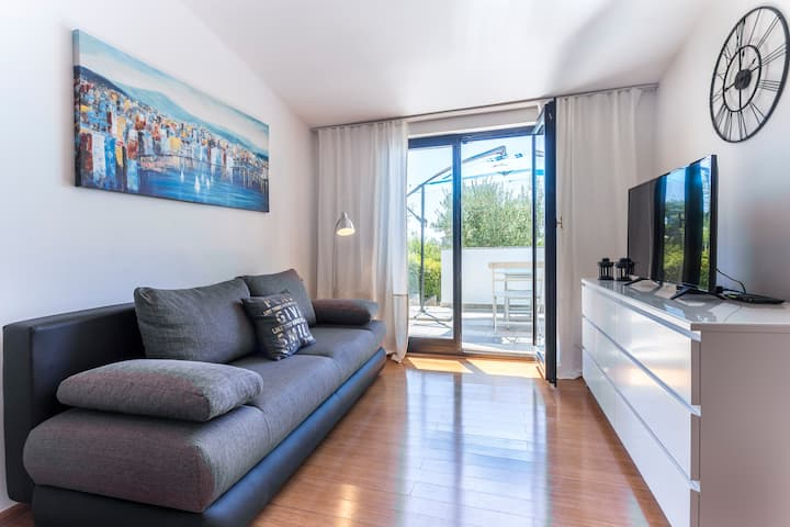 MONTE&Paradiso-9min walk from beach (free parking)