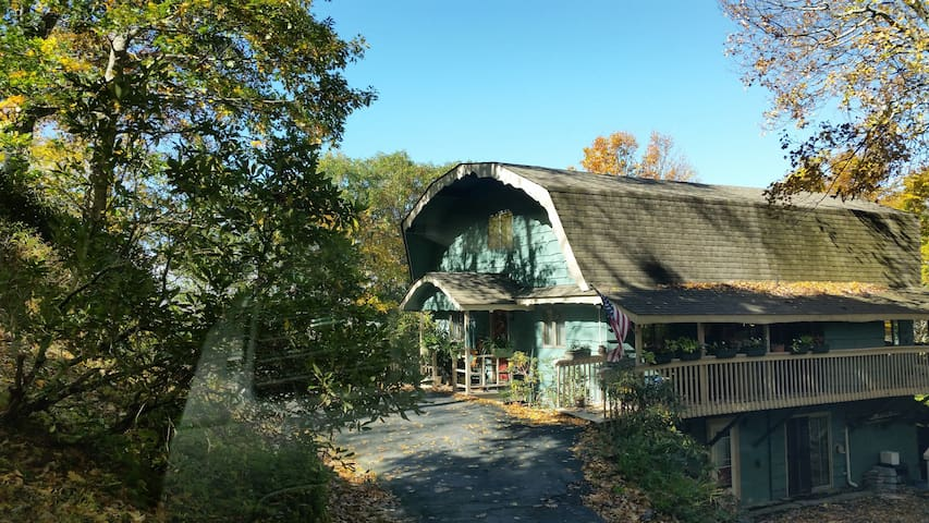Charming Mtn Chalet Prvt Entry - Blowing Rock - Casa