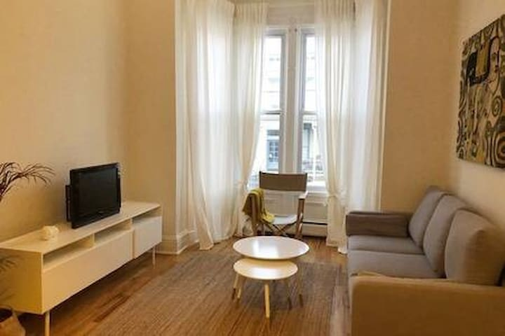 Chic Jersey City Apartment, Minutes to NYC