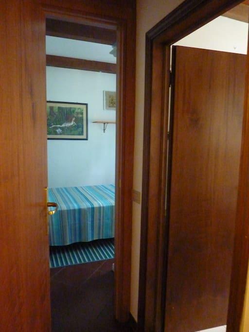 Accesso a camera e bagno, indipendenti, con serratura