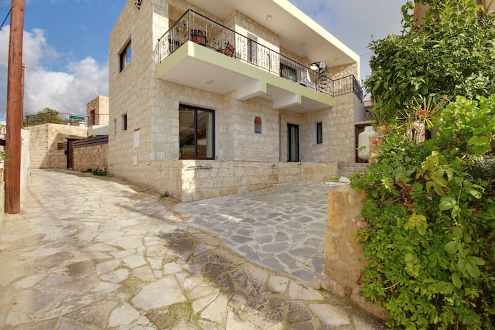 Luxury Villa With Magnificent Views In Tala