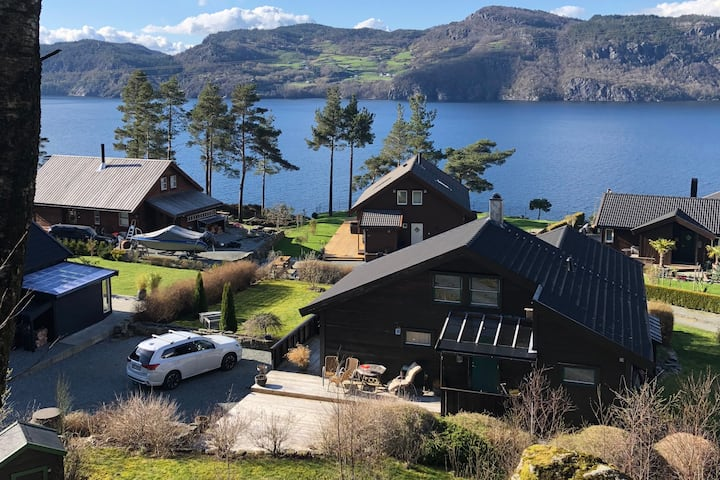 Nice fjord cabin near Hjelmeland and Pulpit Rock