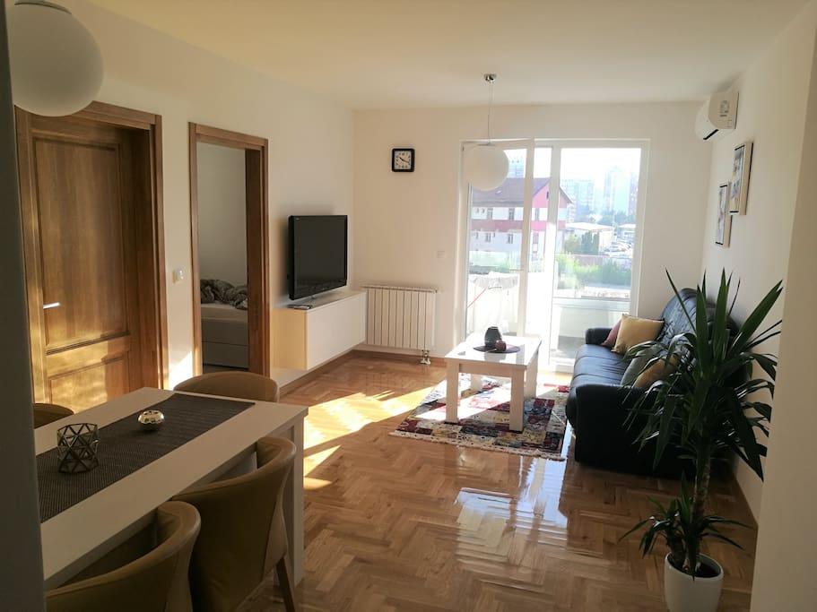 Living Room 2 / Wohnzimmer 2