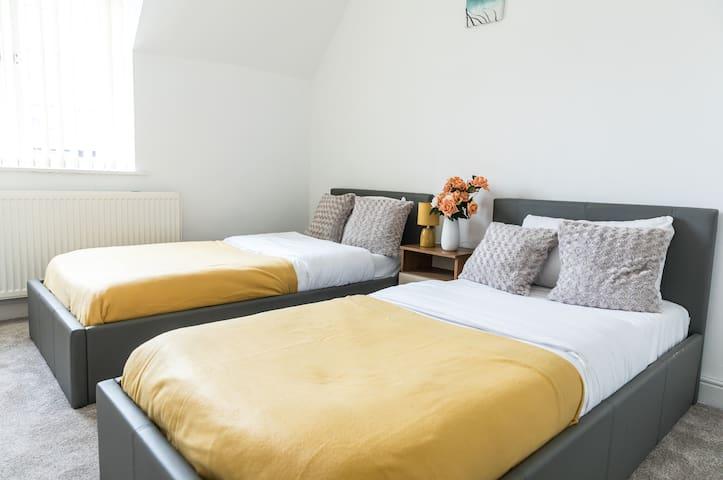 Stunning 2 bedroom Bungalow