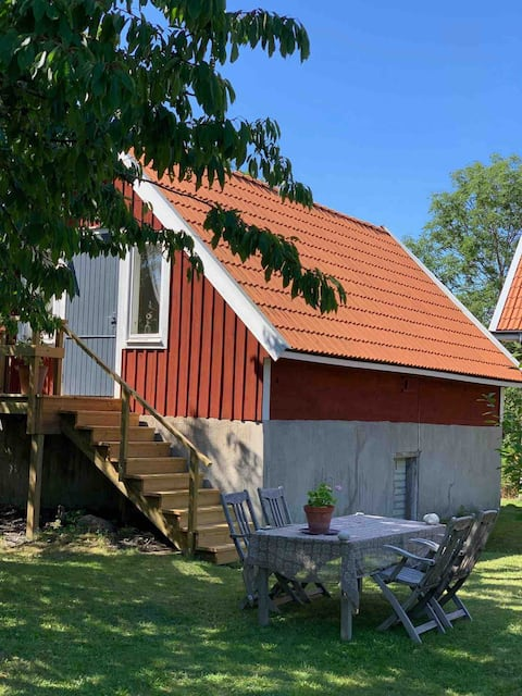 Cozy guesthouse near Byxelkrok and the beach.