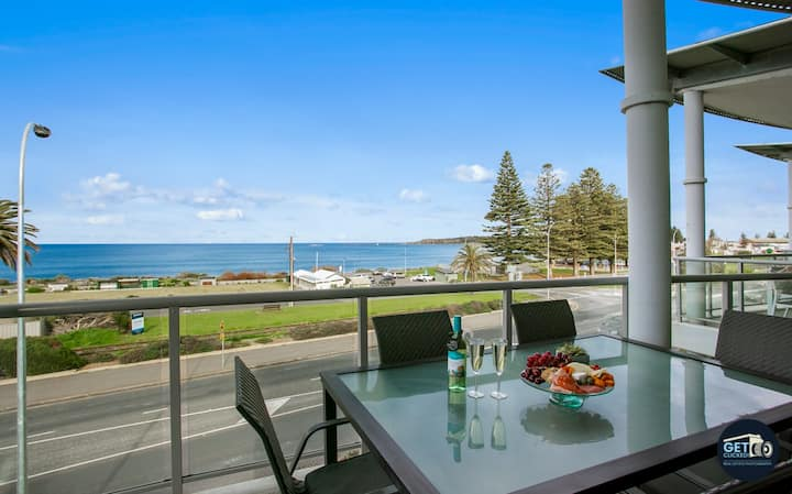 Victor Harbor Penthouse, Whale watching!! *WIFI*