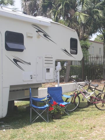 2 bikes are included in the price of the camper.