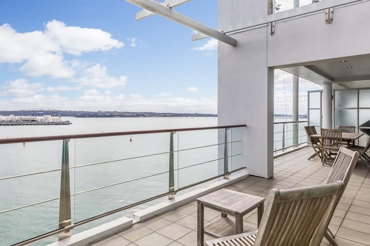 Princes Wharf Perfection - Two bedrooms on the water! 6423