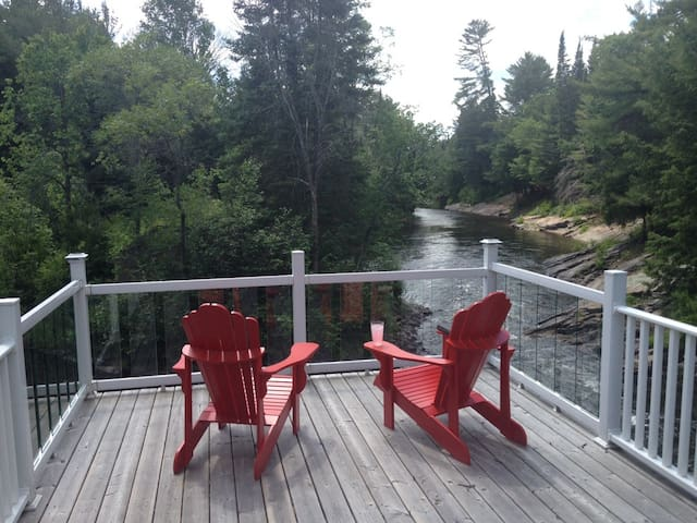 Home Away from Home - Haliburton County - Cabin