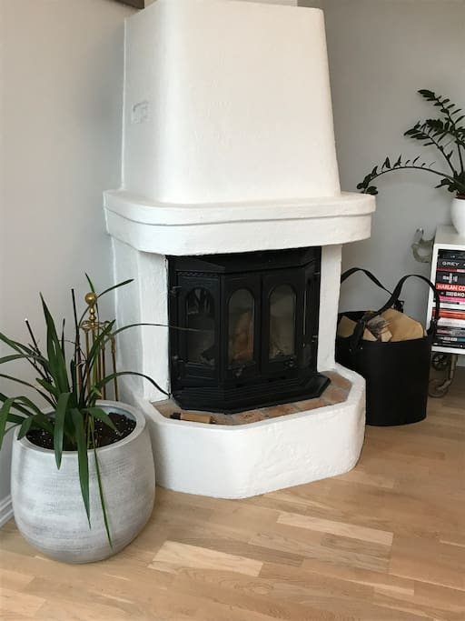 Peis i stue/Fireplace in living room