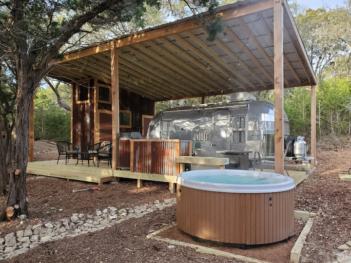 Ultimate Wimberley Escape -Restored 1956 Airstream