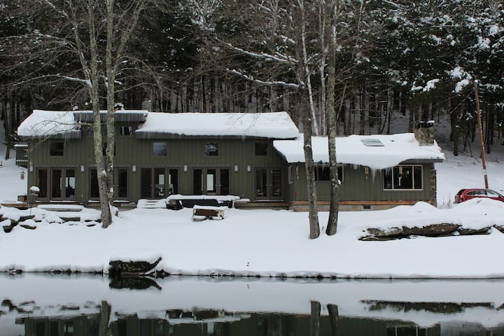Secluded, spacious and airy, Private Beach/Pond