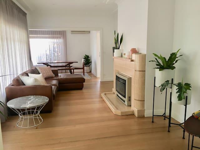 Inner Melbourne Classic 3 bedroom home