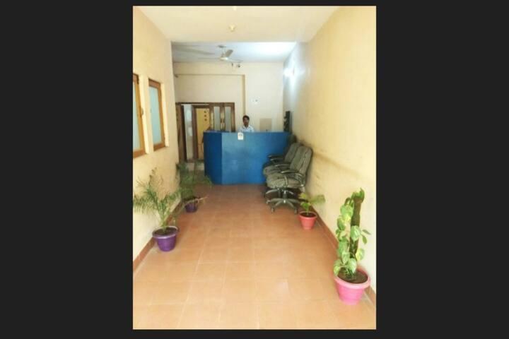 Jai Krish Guesthouse for the Value traveller -1NAC - Greater Noida