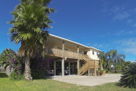 Beautiful Bayfront Stilt Home. - Aransas Pass