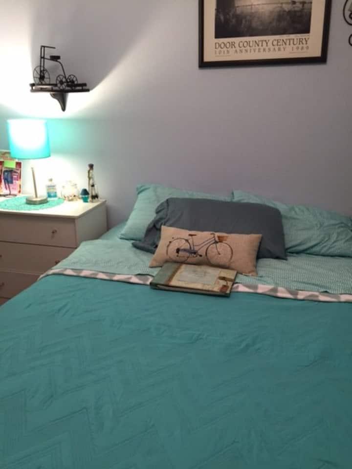 Quiet, cozy, convenient bedroom; queen sized bed