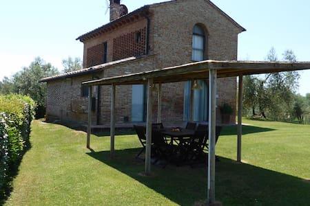 Fattoria di Colleoli - Villa Fienile - Palaia
