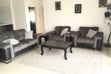 Impressive 3 bedroom at Cantonments - Accra - Appartement