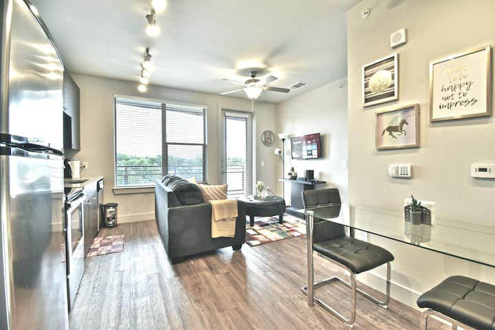 New Corporate 1BR Apartment Uptown Dallas/Parking