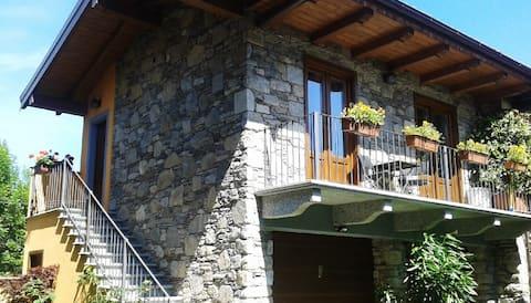 LittleStoneHouse - a Orta-Miasino