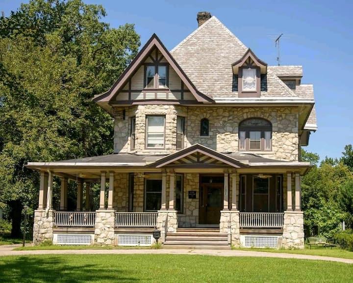 Casa de Romero - 1st Floor/Porch & Yard Rental