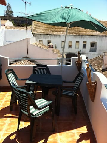 Cozy House in Historic City Center - myhome4u