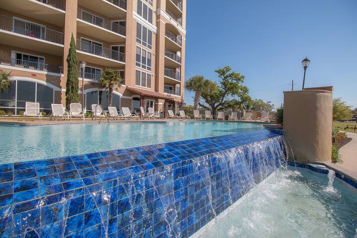 Sienna by Biloxi Beach Resort Rentals 3 Bedroom 2 Bath 3BR Sleeps 7
