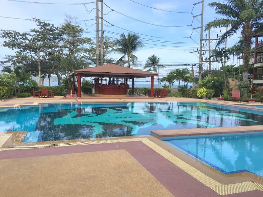 Huge shared pool