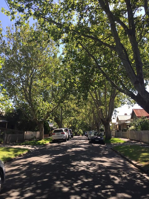 Cosy home close to the city and Melbourne Airport