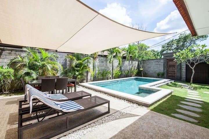 Elegant 2 Bedrooms Pool Villa on beach side Sanur