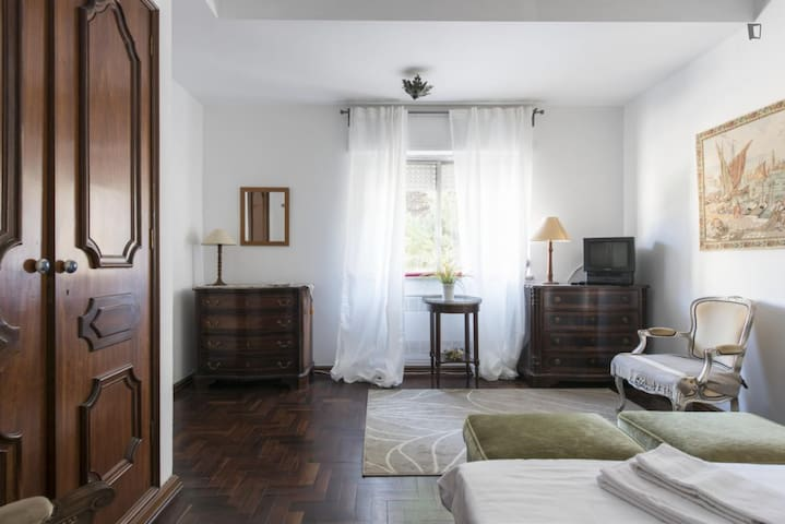 Couple Room in Lisbon - Lisboa - Dům