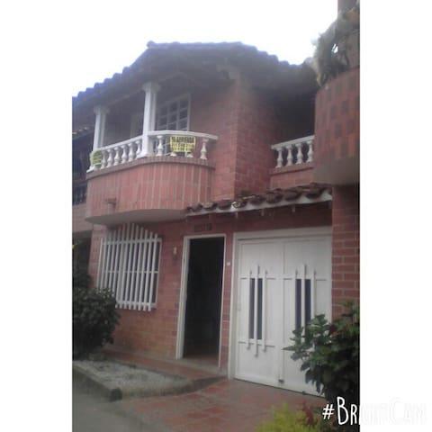 Hermosa Casa en San Antonio (Rionegro)