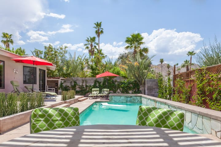 Fantastic modern home w/pool walk to the River - Rancho Mirage - Huis