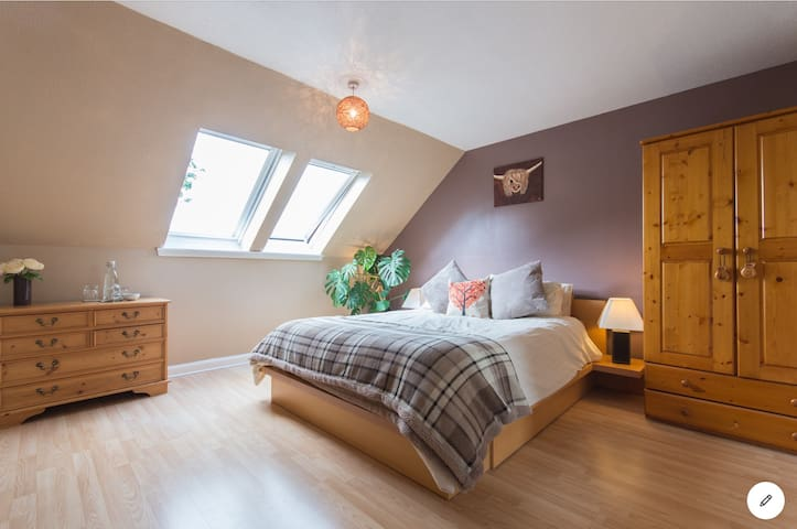 1 Bedroom suite in Perthshire village, Scotland.