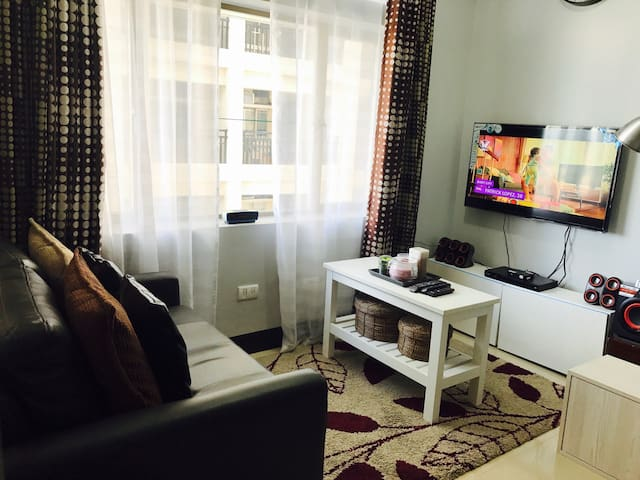 Manhattan Cubao Condominium with Wifi/ Netflix