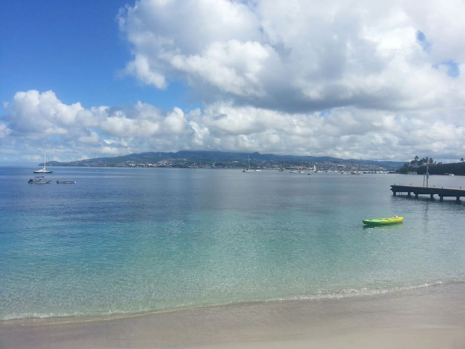 plage + ponton Anse Mitan à moins de 1 minute à pied