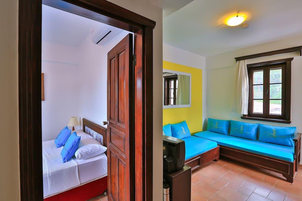 suite oturma ve yatak odası
