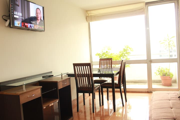 Bright, 80 m2 Apartment Good Location and Balcony