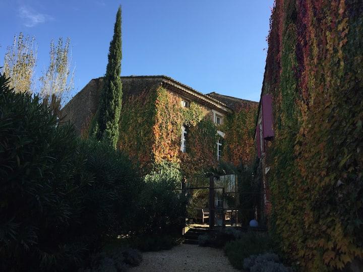 Les Aiguières en Provence et l'Université du vin