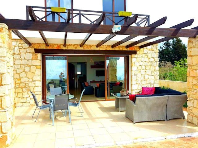 Villa Mediterranean View - Private Pool &Fireplace
