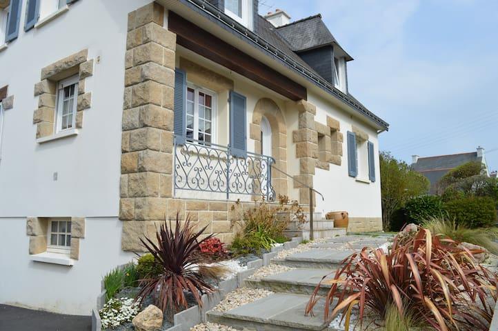 Grande maison proche de la mer - Plérin - Huis