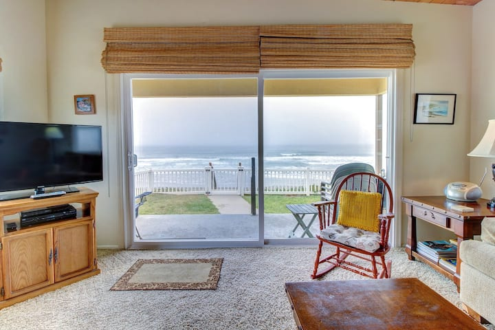 Family-friendly, oceanfront retreat w/ furnished patio and beach access