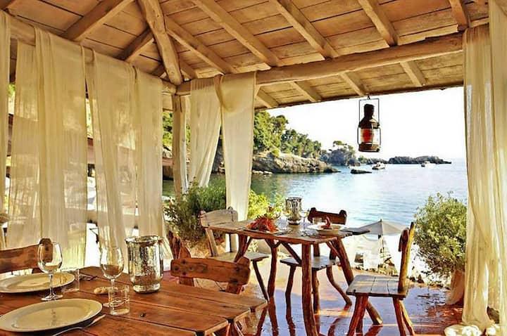 Villa Linda 16 pax with Pool, WiFi, near 5 TERRE