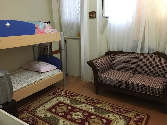 [ a quiet room in the city center ] - Bursa - Apartment
